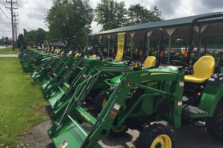 John Deere Dealer in Amelia, Ohio - Lot