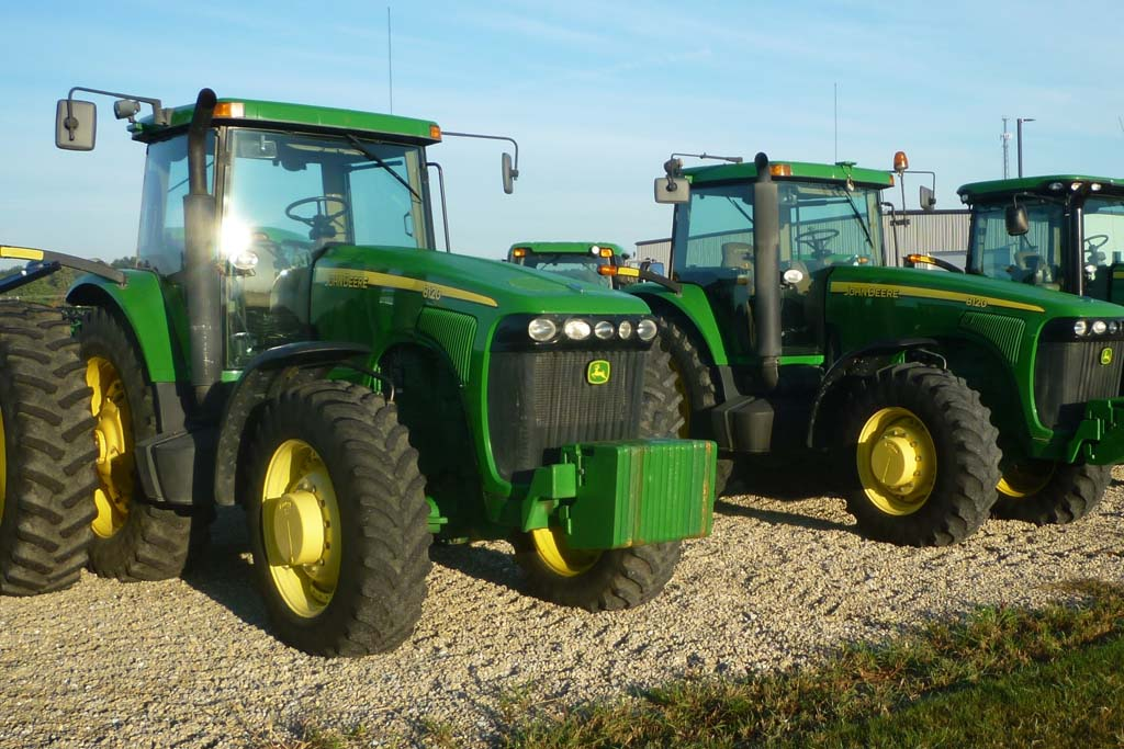 John Deere Dealer in Greenville, Ohio - Lot