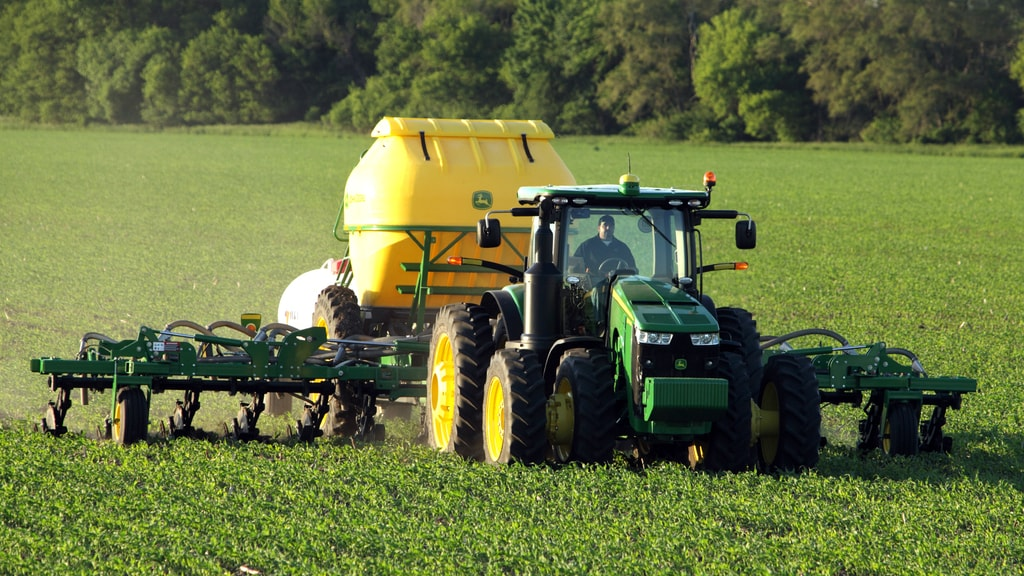 Field image of the 2510H dry Nutrient Applicator