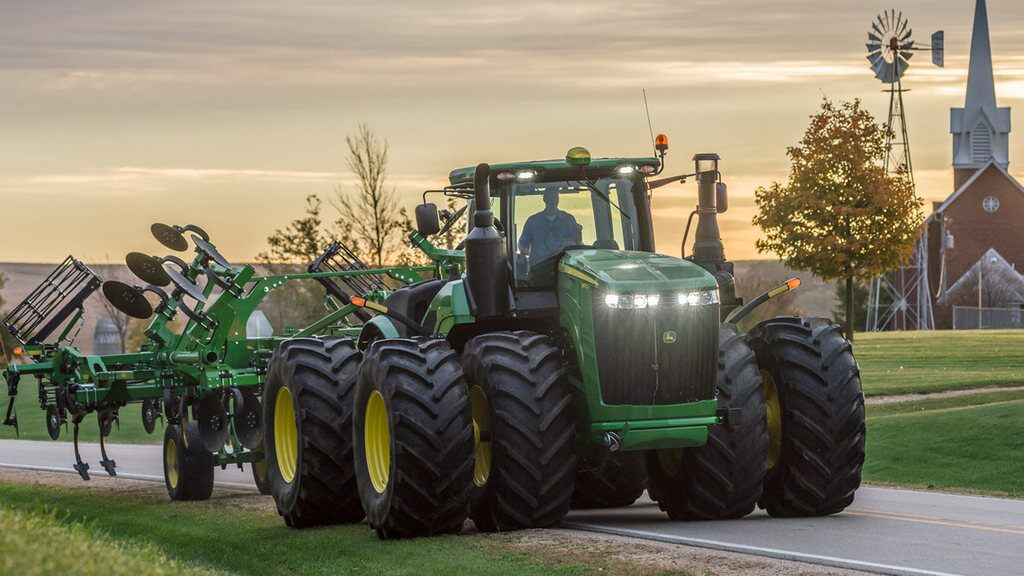 Field image of 9420R 4WD Tractor