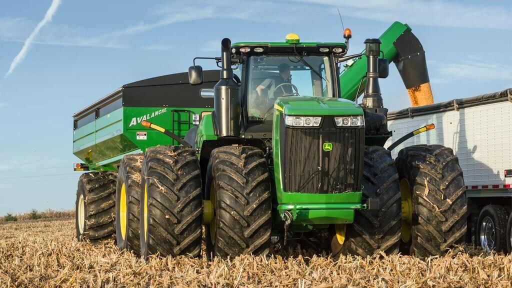 Field image of 9470R 4WD Tractor
