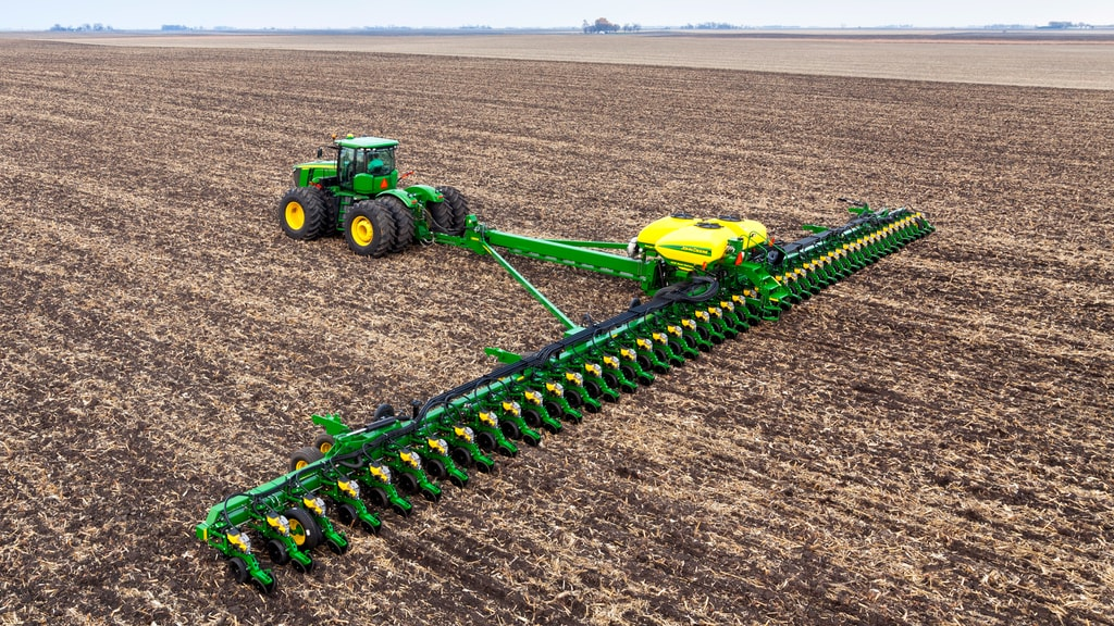 Field image of DB120 48Row30 Planter