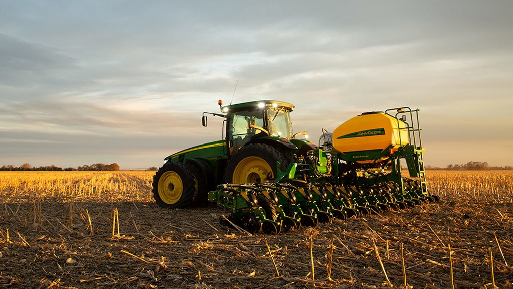 Field image of DR16 Planter