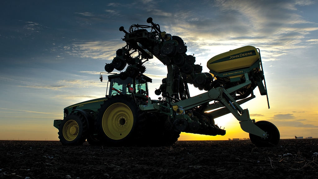 Field image of DR8 Twin Row Planter