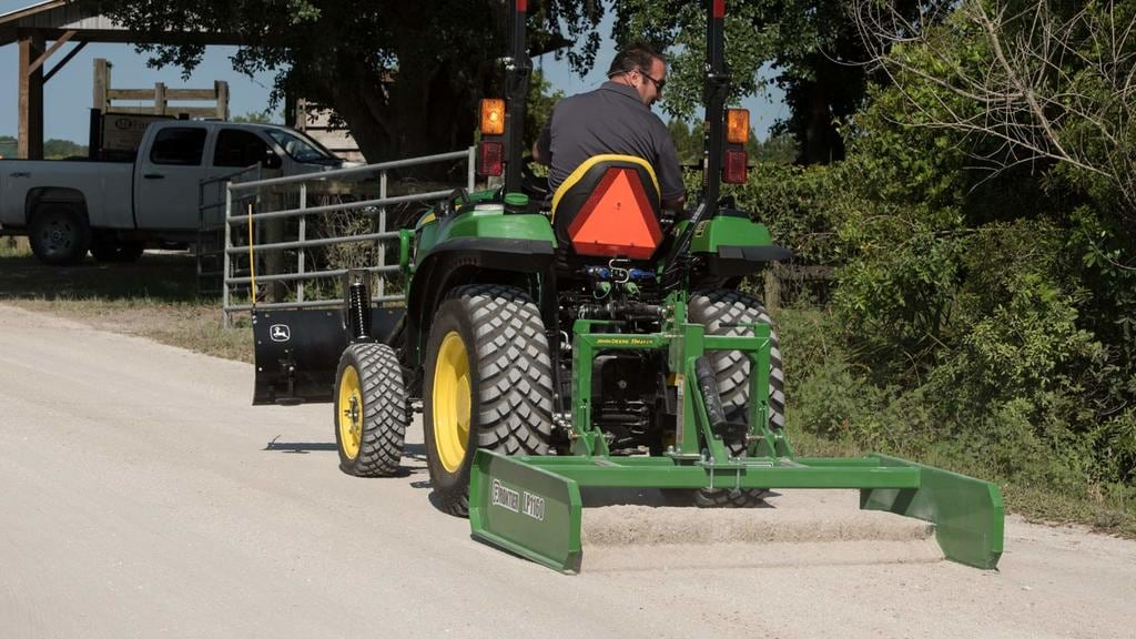 field image of Frontier LP11 series land plan on Tractor