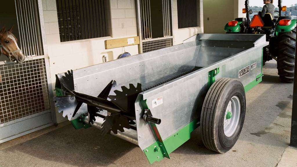 Field image of Frontier MS11 Series Manure Spreader