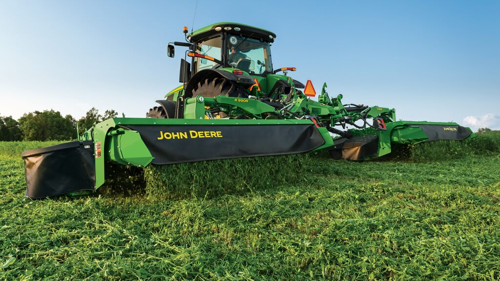Field image of R995R Rear Mount Mower Conditioners