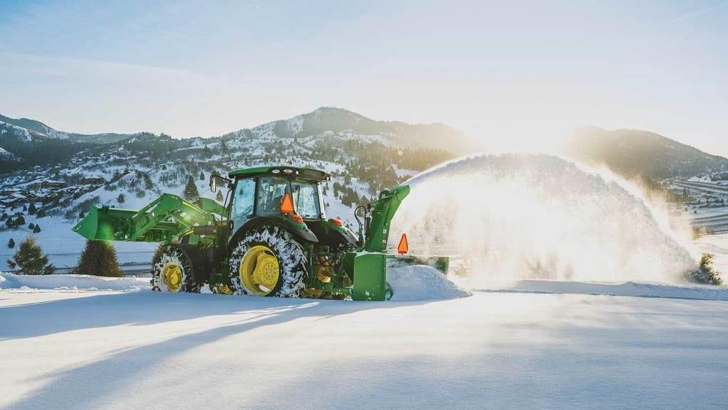 sb13 snowblower in the field